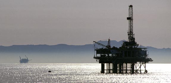 drilling platform  picture: photo to go